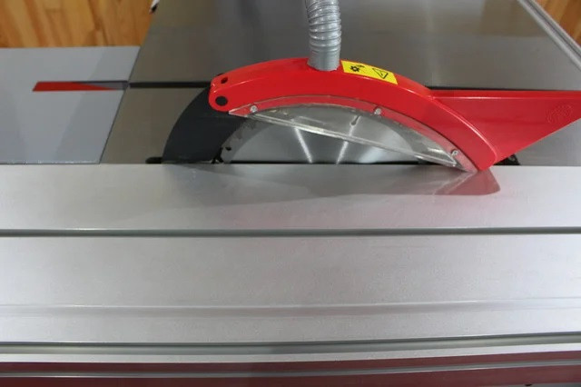 Форматно-раскроечный станок FILATO FL-3200G, Конструкция форматного стола