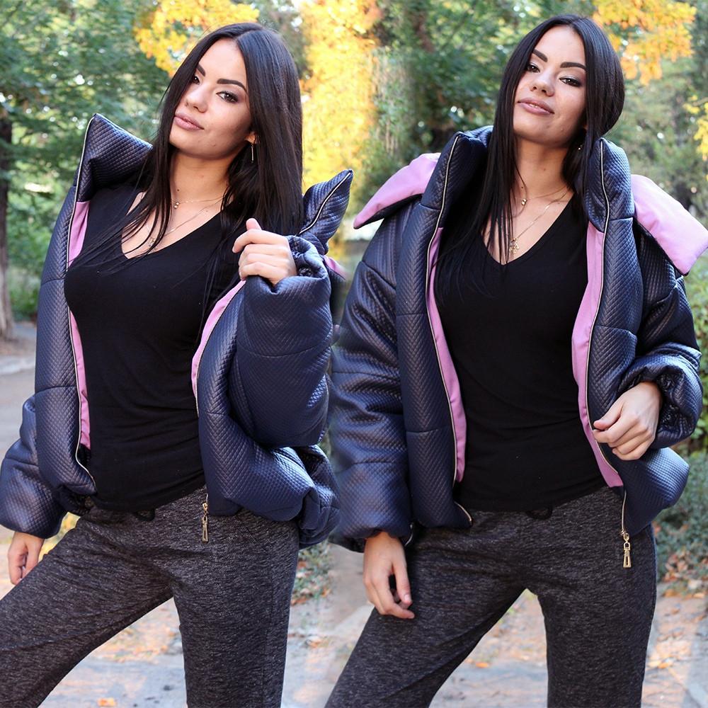 Курточка женская на осенний сезон с геометрическим рисунком