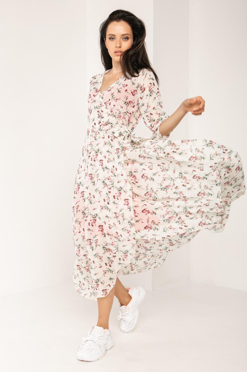 Длинное белое платье на запах из шифона в мелкий цветочек с рукавами до локтя