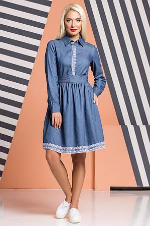 Джинсовое платье с отделкой из кружева