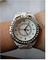 Часы женские со стразами