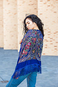 Женская теплая косынка  платок на голову с красивым цветочным принтом LEONORA синего цвета