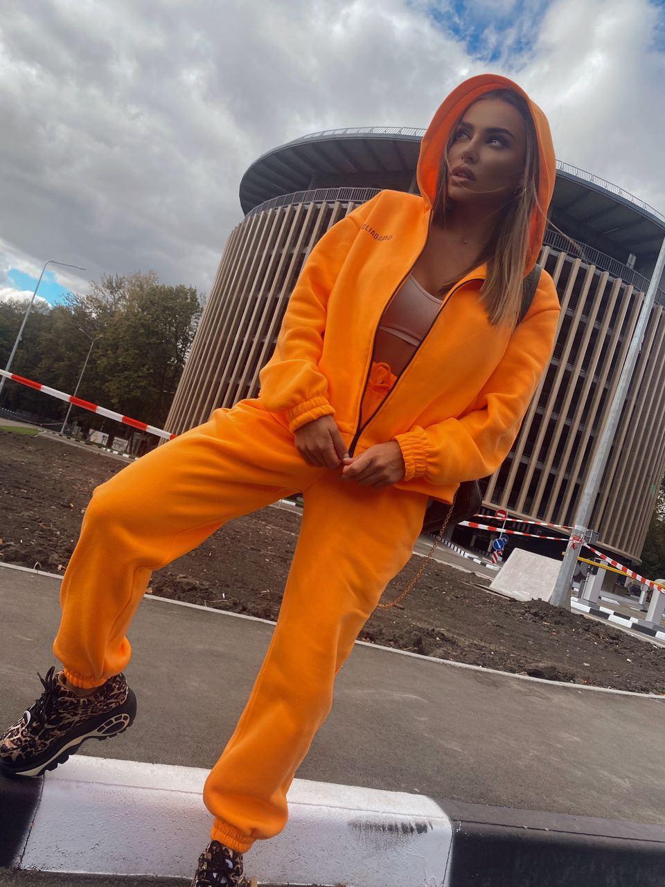 Яркий повседневный спортивный костюм - штаны и толстовка на молнии с капюшоном (р. 40-54) 18rt1093