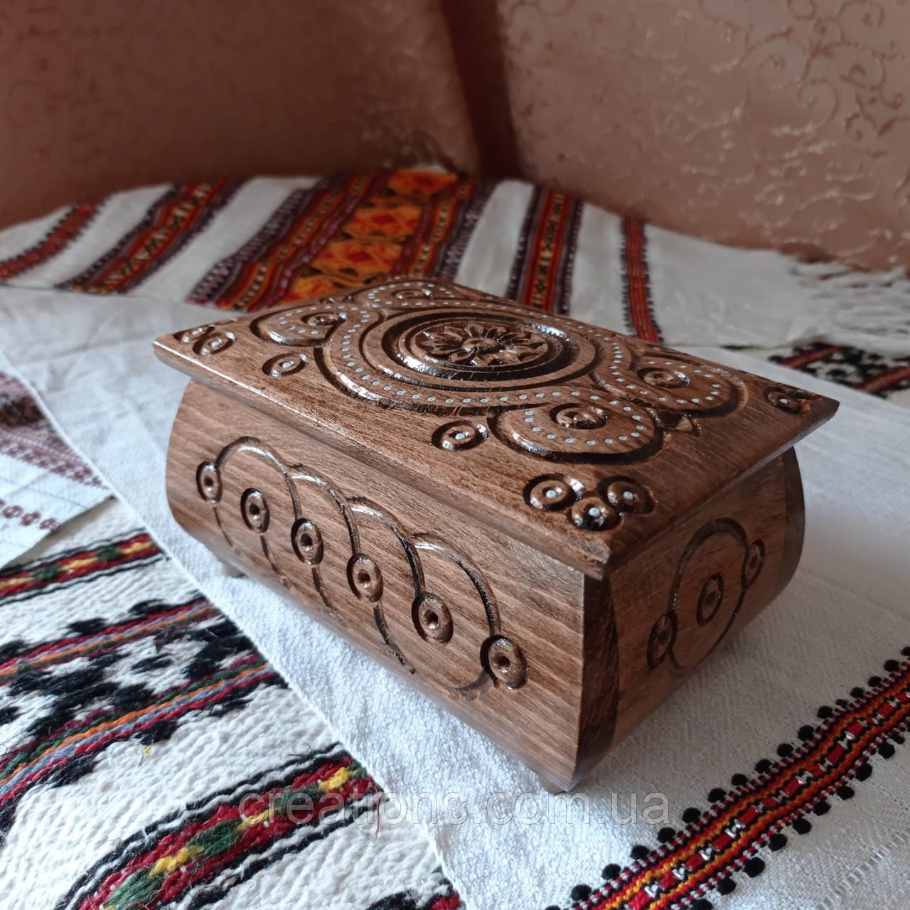 Шкатулка резная из дерева 16*11 с бархатом, ручная работа