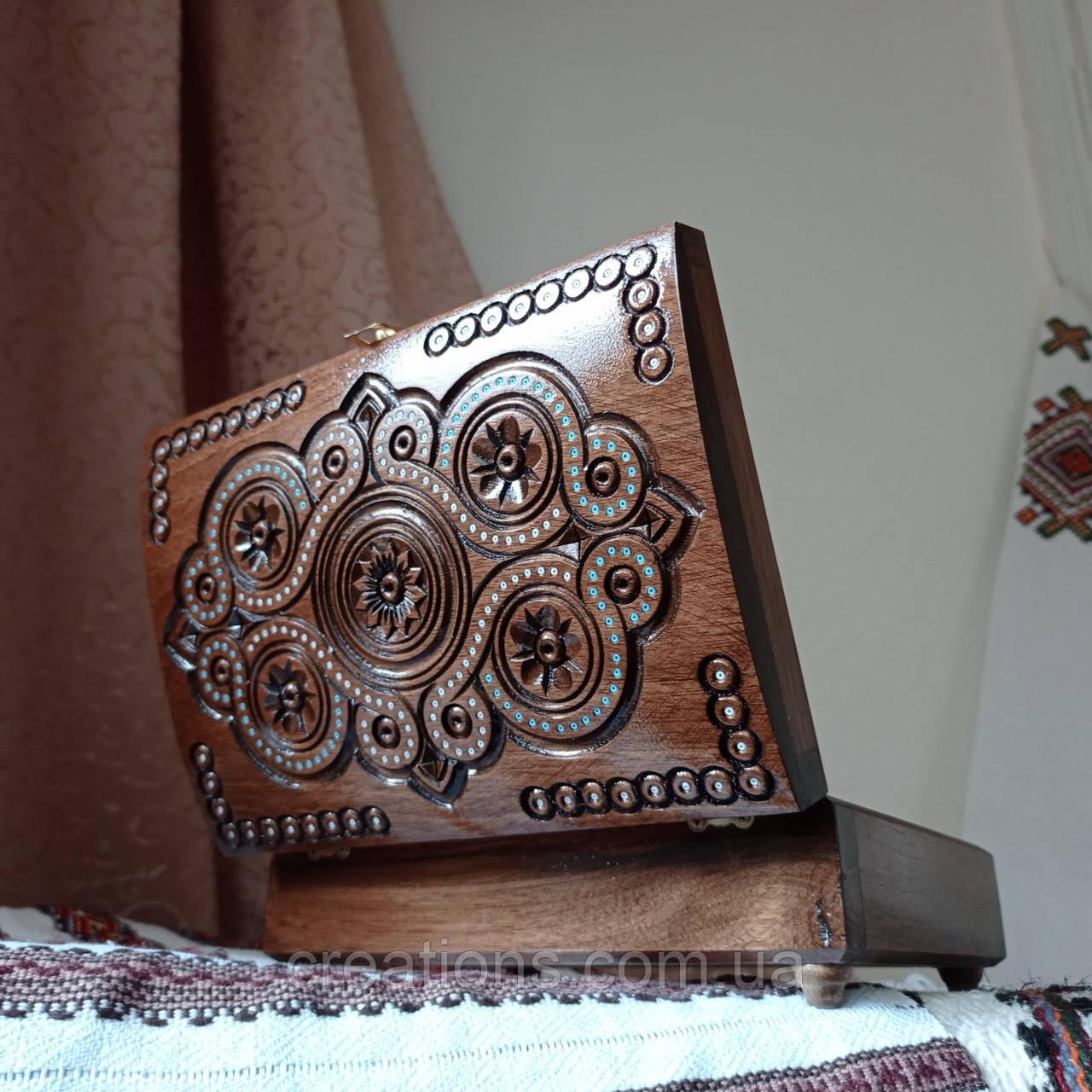 Шкатулка дерев'яна різьблена 21*15 для прикрас, ручна робота