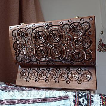 Шкатулка дерев'яна різьблена 32*16 для прикрас, ручна робота