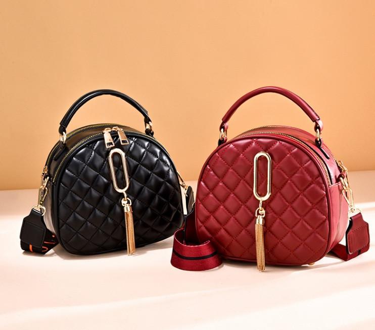 Женская мини сумочка клатч стеганная, маленькая сумка для девушки кожаная модная и стильная