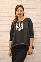 Трикотажная черная блузка с тризубом