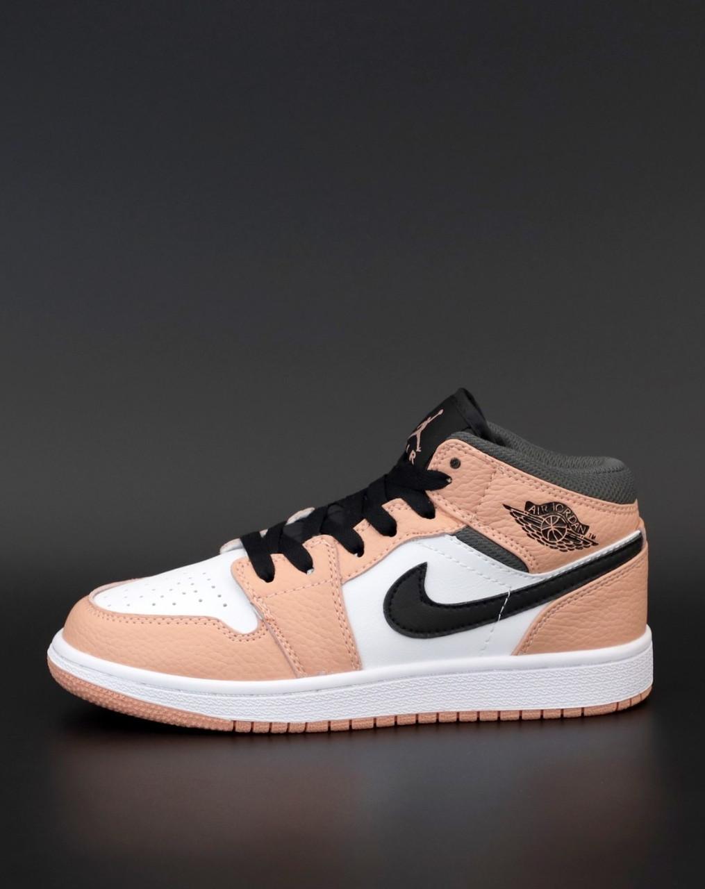 Женские кроссовки Nike Air Jordan 1 Retro Найк Джордан