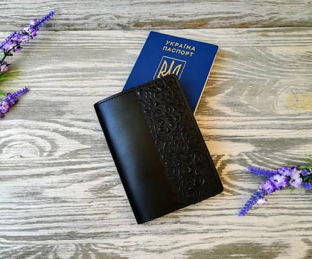 Обложка на паспорт кожаная черная с тиснением восточные узоры Украина ручная работа (глянцевая), фото 2