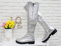 Жіночі чоботи-труби з натуральної срібною шкіри на стійкій тракторної протиковзкою підошві., фото 1