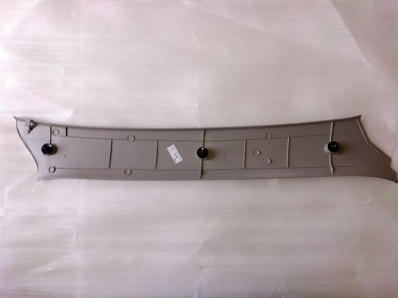 Накладка внутренняя передней стойки левая (лоб. стекла)  Ланос,Сенс GM Корея (ориг)