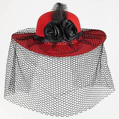 Шляпа Дама в красном с вуалью