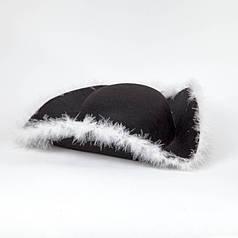 Пиратская шляпа треуголка с пухом
