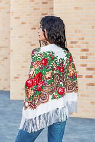Платок с народным орнаментом LEONORA белый 140*140 с бахромой