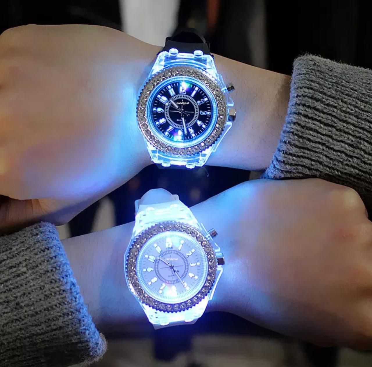 Часы женские Geneva с подсветкой силиконовый ремешок 9 цветов в наличии