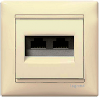Розетка компьютерная 2xRJ45 UTP кат.5e Valena слоновая кость