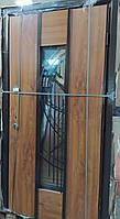 Двери входные R 96 - Дуб золотой, Z-303 L, рама 100 + ковка + стекло + метал/мдф