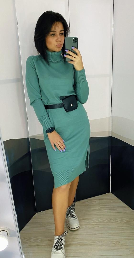 Платье-трикотажное вязка с  высокой горловиной и поясом, цвета разные  Р-р.42-46 Код 735Т