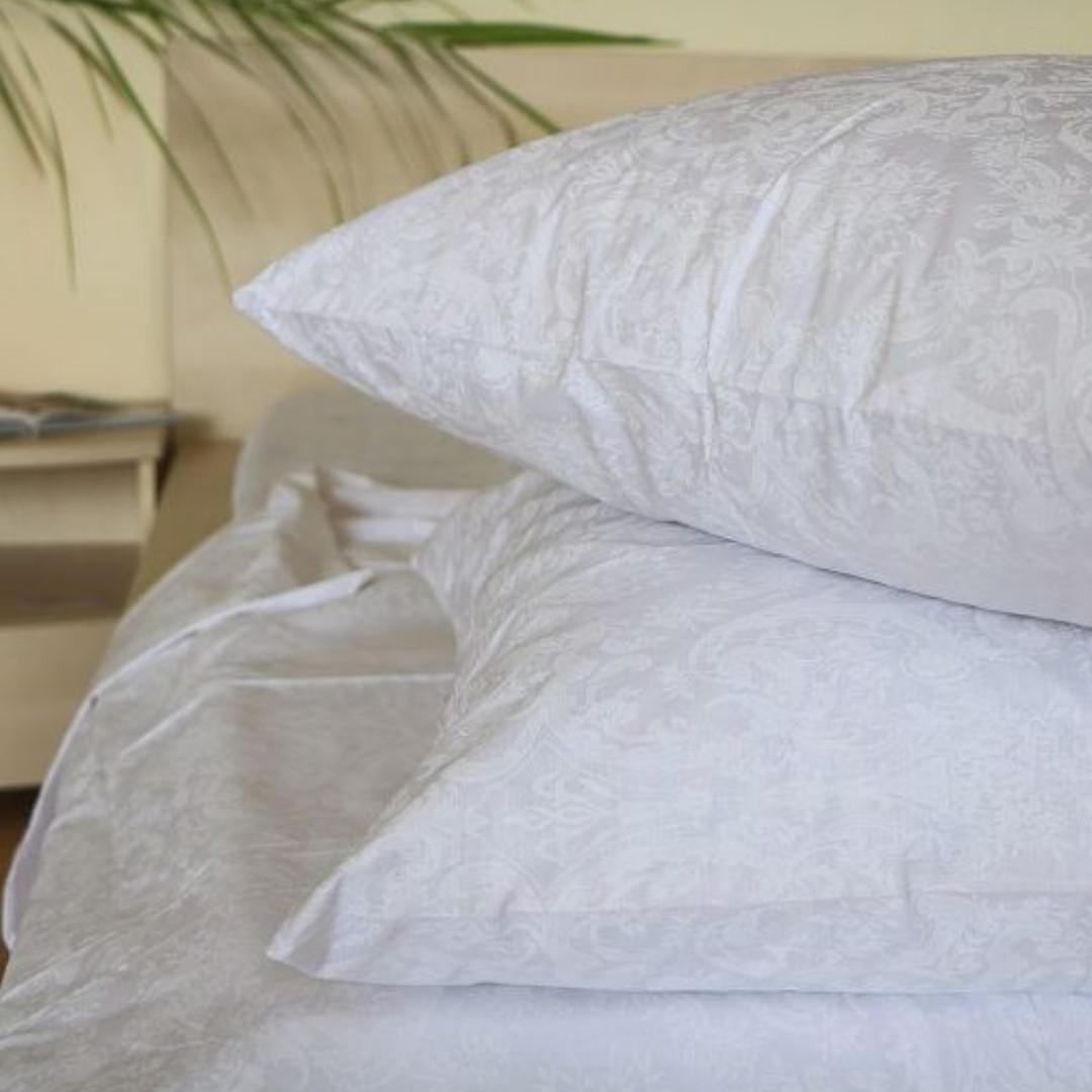 Сатиновый однотонный комплект постельного белья полуторный размер, белый