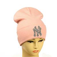 """Молодіжна шапка з декором """"NewYork"""" пудра"""