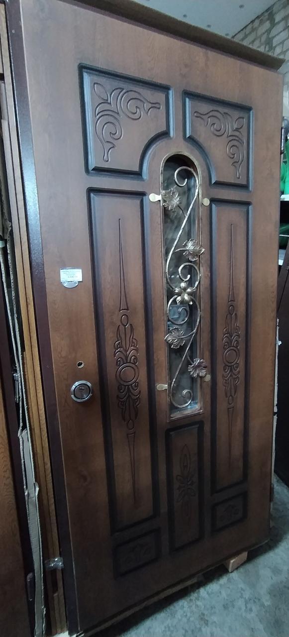Двери входные R 96 - Дуб Золотой, Патина, рама 100 + ковка + стекло