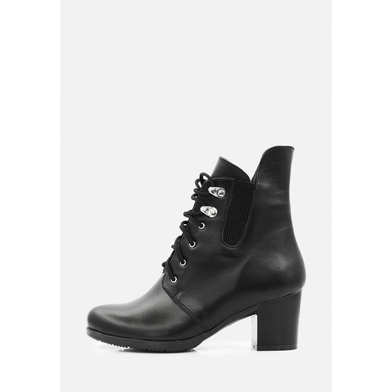 Жіночі класичні чорні шкіряні черевики на підборах