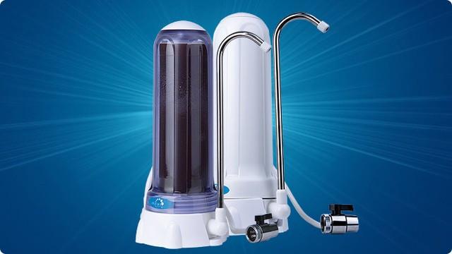 """Настольный фильтр""""Гейзер"""" 1 УЖ евро – используется для жесткой воды с высоким содержанием железа."""