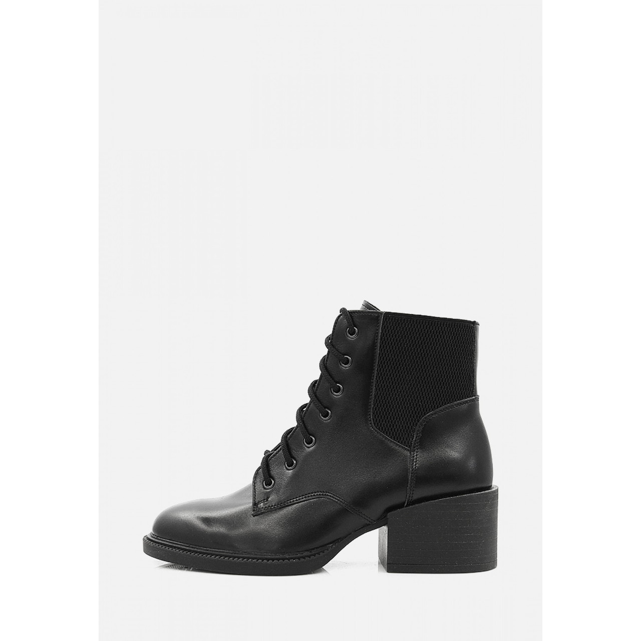 Демісезонні черевики на невеликому каблуці