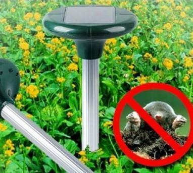 Отпугиватель кротов и других вредителей на солнечной батарее Solar Repeller