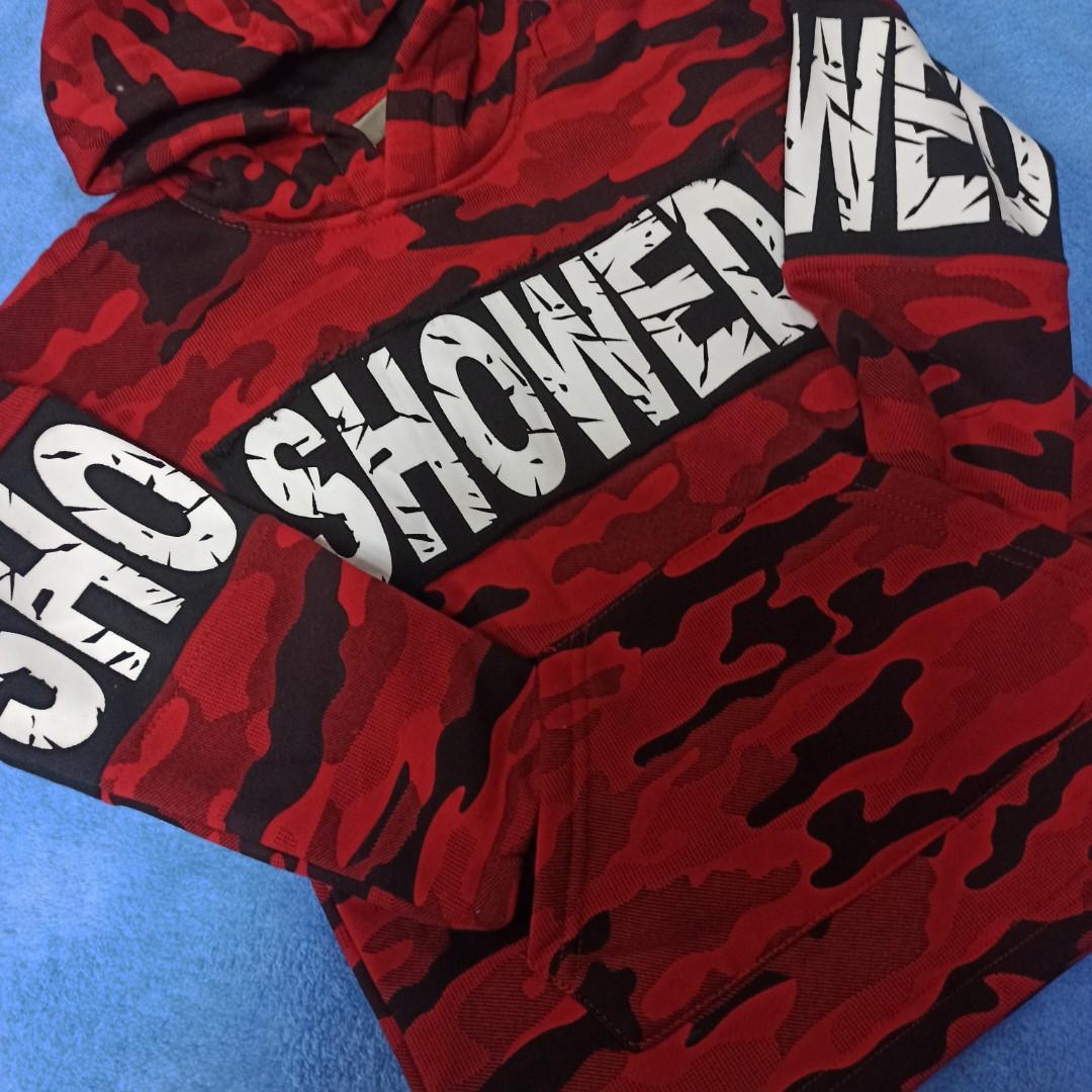 Толстовка модная нарядная красивая теплая стильная красного цвета с капюшоном и карманом- кенгуру.