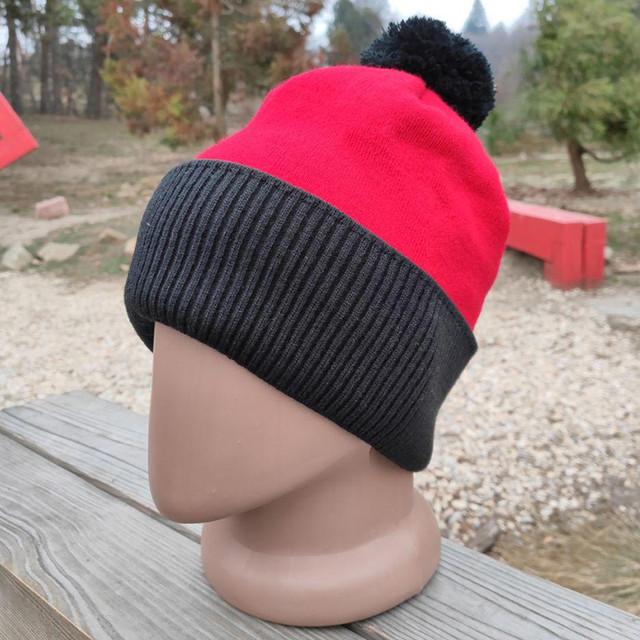 Производство вязанных и трикотажных шапок оптом. Шапки-ушанки на заказ.