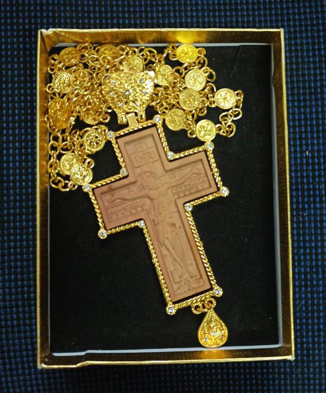 Крест иерейский из дерева с позолотой