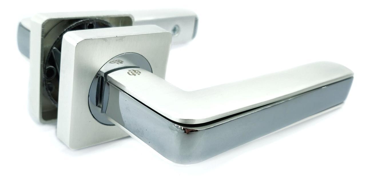 Дверная ручка GAVROCHE CROMIUM Сr-A1 белый перламутровый / полированный хром