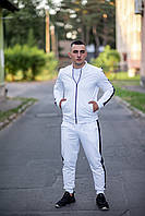 Стильный мужской спортивный костюм бомбер с лампасами белого цвета из материала двунитка
