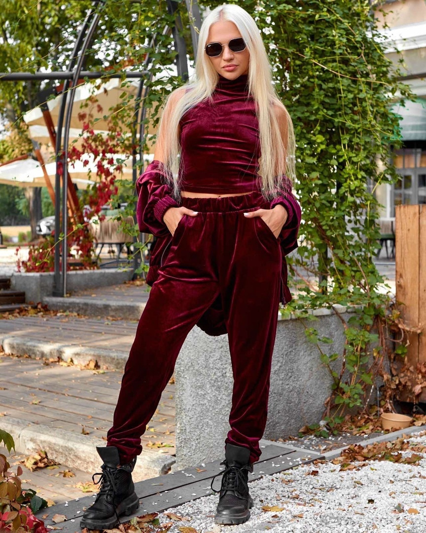 Осенний велюровый костюм тройка, бордового цвета