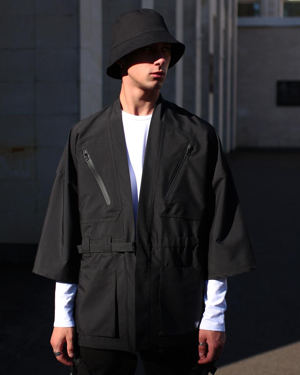 Кимоно чёрного цвета от бренда ТУР модель Хиори,размер S,M,L,XL
