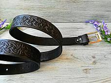 Кожаный ремень мужской черный классический для джинсов с тиснением кельтский узел (пряжка №2), фото 3