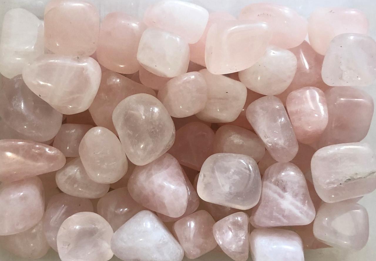 Натуральный камень (Розовый кварц) 15-25 мм (10 грамм, 2 шт). Натуральний камінь Рожевий кварц скол