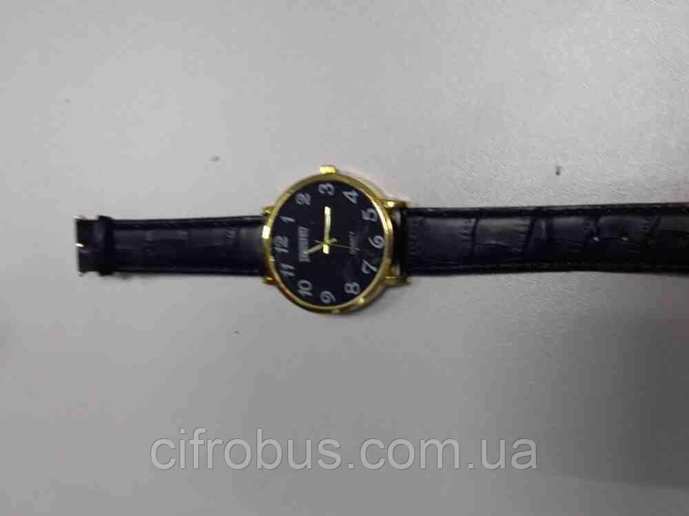 Б/У Наручные часы кварцевые