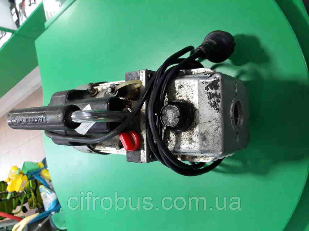 Б/У FJC 6912 Vacuum Pump 5.0 Cfm