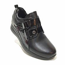 Жіночі туфлі весняні на блискавці з липучкою на танкетці екошкіра