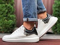 Мужские белые кроссовки Alexander Mcqueen демисезонные на шнуровке кеды в стиле Still