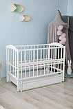 Дитяче ліжко-колиска Лілія Кузя, з шухлядою та відкидною боковинкою біле, фото 2
