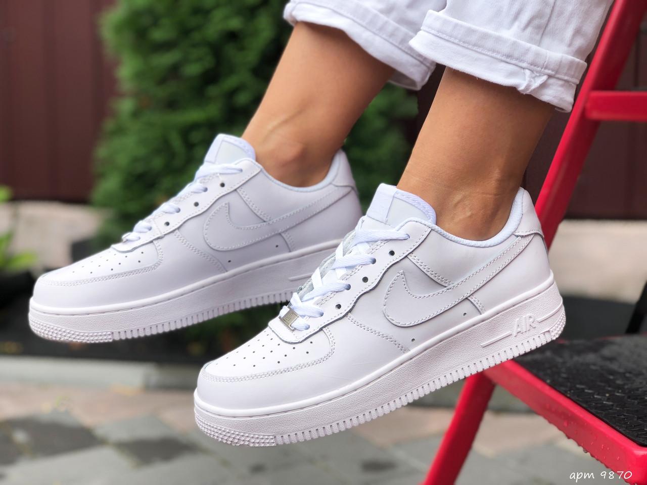 Жіночі кросівки Nike Air Force (білі) 9870