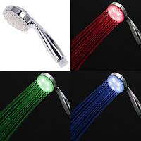 Світодіона насадка на душ / Светящаяся светодиодная насадка на душ LED 3 Color с датчиком температуры, фото 1