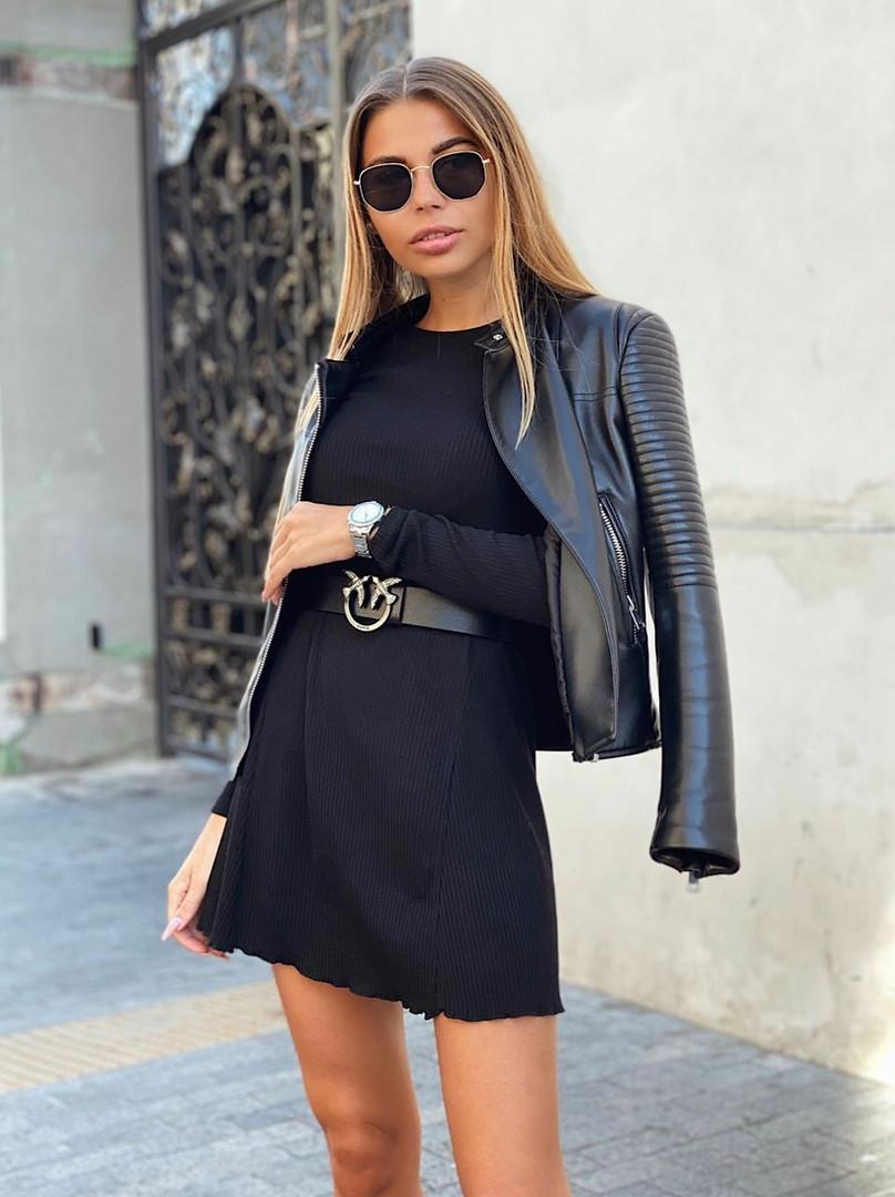 Маленькое стильное черное платье