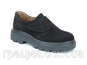 Модні жіночі туфлі на платформі з натуральної замші