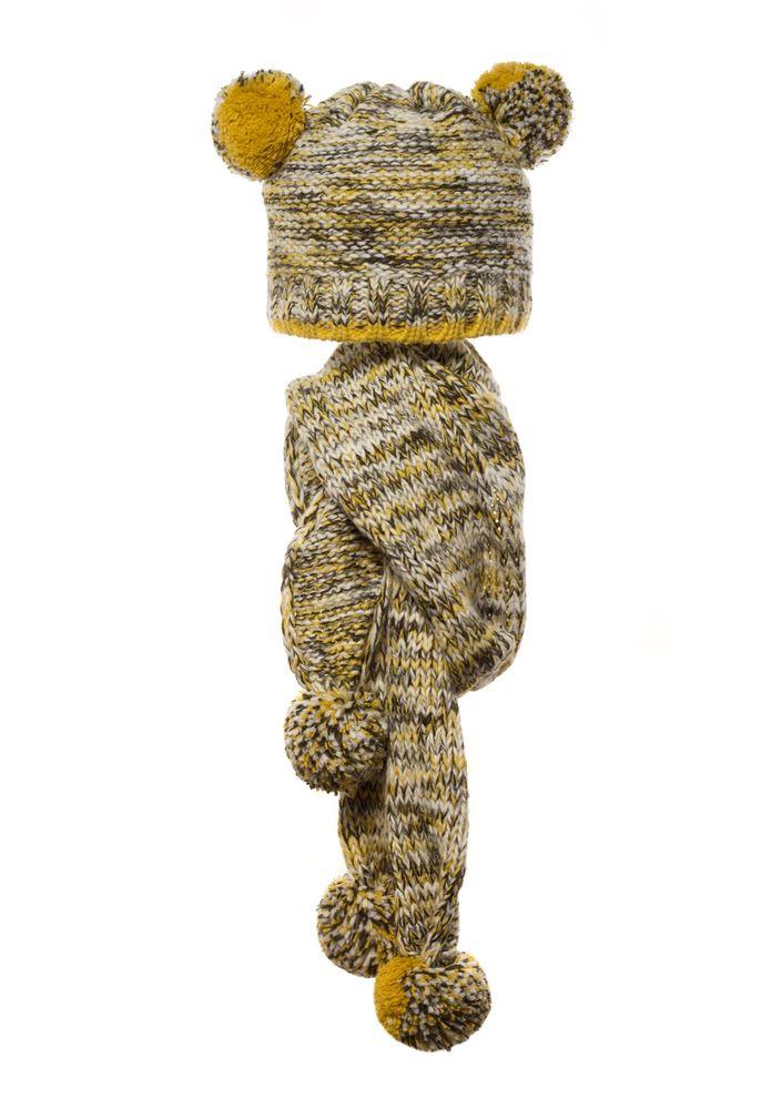 Детский комплект: вязаная шапочка с бумбонами и шарфик.