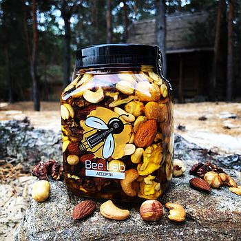 Ассорти орехов в меде 500 мл
